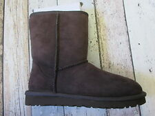 UGG Classic short boot chocolate or chestnut  (2400065/006/103 Loc R33/29/36)