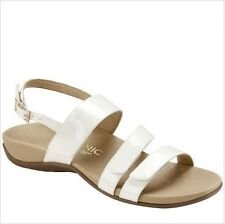 NEW Vionic by Orthaheel Teagan Strap Sandals