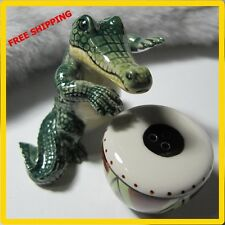 Salt and Pepper Shakers Set - Ceramic Salt Pepper Shaker - Crocodile with Drum