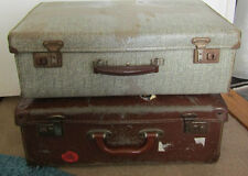 2 x Traditional Old Vintage Suitcase 18
