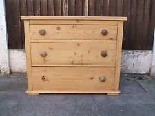 victorian/antique 3 drawer pine chest drawers with dovetail joints.