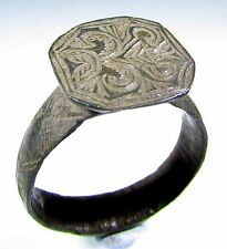 SUPERB MEDIEVAL BRONZE HERALDIC SEAL RING WITH DECORATED BEZEL - WEARABLE - 1262