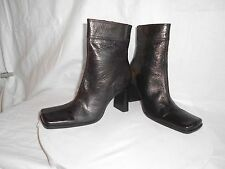 Womens St.Johns Bay Chocolate Brown Leather Fall Fashion Ankle Boots Size 6.5 M