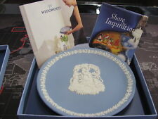 WEDGWOOD MOTHER PLATE YEAR 2000 IN ORIGINAL BOX 551-065A