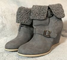 New. Gorgeous Grey Leather Wedge Ankle Boots. Size 7 (40)