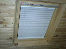SKYLIGHT PLEATED ROOF BLINDS TO FIT VELUX WINDOWS SIZES - GGL / GHL / GPL 104