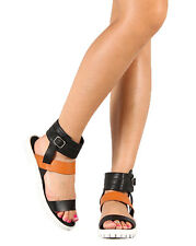 Qupid Cooper-06 New Women Leatherette Two Tone Ankle Cuff Gladiator Flat Sandal
