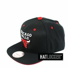 Mitchell & Ness - Chicago Bulls Solid Velour Logo Snapback