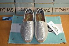 TOM'S SILVER GLITTER. BRAND NEW WITH TAG.