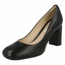Clarks 'Gabriel Mist' Ladies Black Leather Posture Boosting Court Shoes D Fit