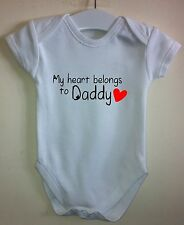 MY HEART BELONGS TO MUMMY DADDY BABY BODY GROW VEST GIRL BOY CLOTHES GIFT IDEA
