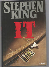 IT  a novel by Stephen King NEW HARDCOVER  Pennywise Horror