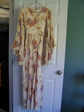 VINTAGE 1960'S-70'S FLOWERED DRESS WITH WIDE SLEEVES