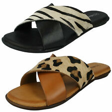 LADIES LEATHER COLLECTION  ANIMAL PRINT CROSS OVER FLAT SUMMER SANDALS F0935