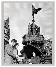 London Piccadilly Eros Fountain October 1959