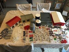 Vintage ERTL Farm Country TOY MIXED LOT Buildings Animals Accessories HUGE LOT