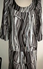 BCBG MAX AZRIA MS SIZE SMALL  BLACK AND GRAY DROP WAIST FASHION DRESS-