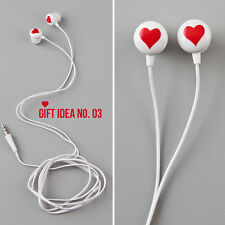 NEW Diane von Furstenberg DVF Heart Print Vintage Collection Earbuds Red Hearts