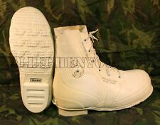 BATA White MICKEY MOUSE BUNNY BOOTS -30° Snowmobile Military USGI NEW / Blem'd