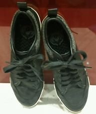 Size 7 Boys/Mens Black Shoes in Exc Hardly Worn Condition.