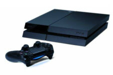 Sony PlayStation 4 (PS4) - 500 GB Jet Black Console - Excellent Condition!