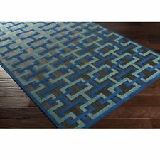 Meticulously Woven Centinela Rug (4'7 x 6'7)