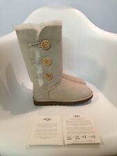 UGG Australia Bailey Button Triplet Sand Boot womens size 5-11/36-42 NEW!!!
