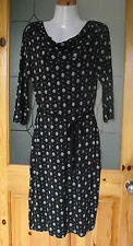 Ladies Papaya Weekend Stretchy Day Dress Size 10, New with Tags