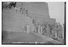 Photo of Suffragettes at Bedlow's Island Number 15038 Vintage 30661