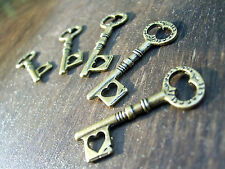 Skeleton Keys Small Heart Bronze 33mm Steampunk Old Vintage Style Wedding Charms