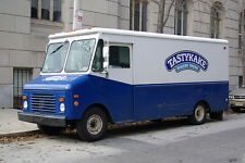 TASTYKAKE THE ONLY FACTORY FRESH SELLER FREE PRIORITY MAIL NEW FALL FLAVORS R IN