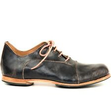 Cydwoq Classic Lace Up Shoe
