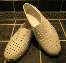 NWOB NATIVE Unisex JERICHO Casual Shoes M9/W11 Sherwood or Shell color RARE