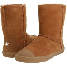 UGG Australia  3305K Delaine chestnut rubber toe boot kids/youth