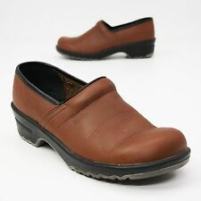 Sanita Size 40 A (about 9.5 US Narrow) Professional Brown Leather Nursing Clogs