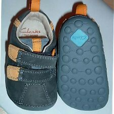 Infant boy cruiser shoe size 2 G (EU18) Clarks  rrp 24