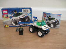 Lego Town City 4WD Police Patrol (6471) Complete Minifigure Instructions & Box