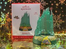 2016 HALLMARK KEEPSAKE ORNAMENT EMERALD CITY THE WIZARD OF OZ MAGIC SOUND (NEW)