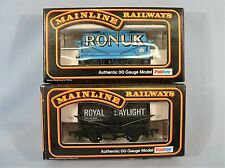 Mainline OO gauge Two Tank Wagons  Ronuk 410  & Daylight Paraffin 134 Boxed