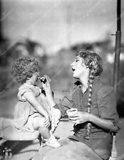 Mary Pickford Mary Louise Miller enjoy puding silent film Sparrows 8b4-868
