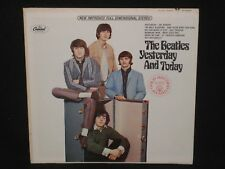 THE BEATLES ~ Yesterday... And Today ~ U.S. reissue APPLE ST-2553 - 1966 pop VG+