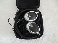 BOSE ON-EAR OE HEADPHONES WITH CASE