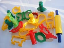 Play Doh Complete Modelling Set Dough Cutters Rolling Pin Extruder Guns & Board