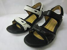 Clarks Ladies Sandals 'Un Harbour' White or Black Leather
