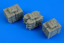 AEROBONUS 480119 1/48 US Army Load; Crates, Ammo Boxes & Sacks on Skids