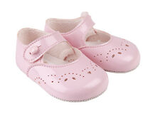 BABY GIRLS SOFT PRAM SHOES BY BAYPODS