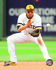 Neil Walker Pittsburgh Pirates 2015 MLB Action Photo RX037 (Select Size)