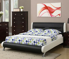 NEW LARAMIE CONTEMPORARY WHITE BLACK BYCAST LEATHER FULL or QUEEN PLATFORM BED