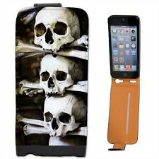 Skulls Stacked With Bones in Cave Scary Halloween Leather Case for iPhone 5s