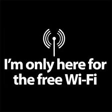 I'M ONLY HERE FOR THE FREE WI-FI (internet programmer lixux ubuntu mint) T-SHIRT
